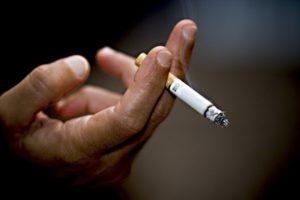 Можно ли курить в своей собственной квартире.